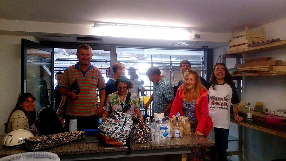 UKC-UK buskers in Stringit & Strumit Workshop